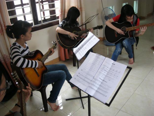 hoc-guitar-1